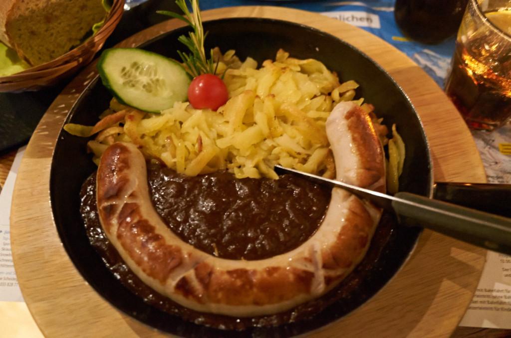 スイス郷土料理ロスティ。量はかなりありますよ。