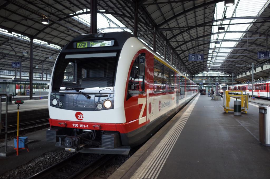 ルツェルンに到着 電車は最新のABeh160形