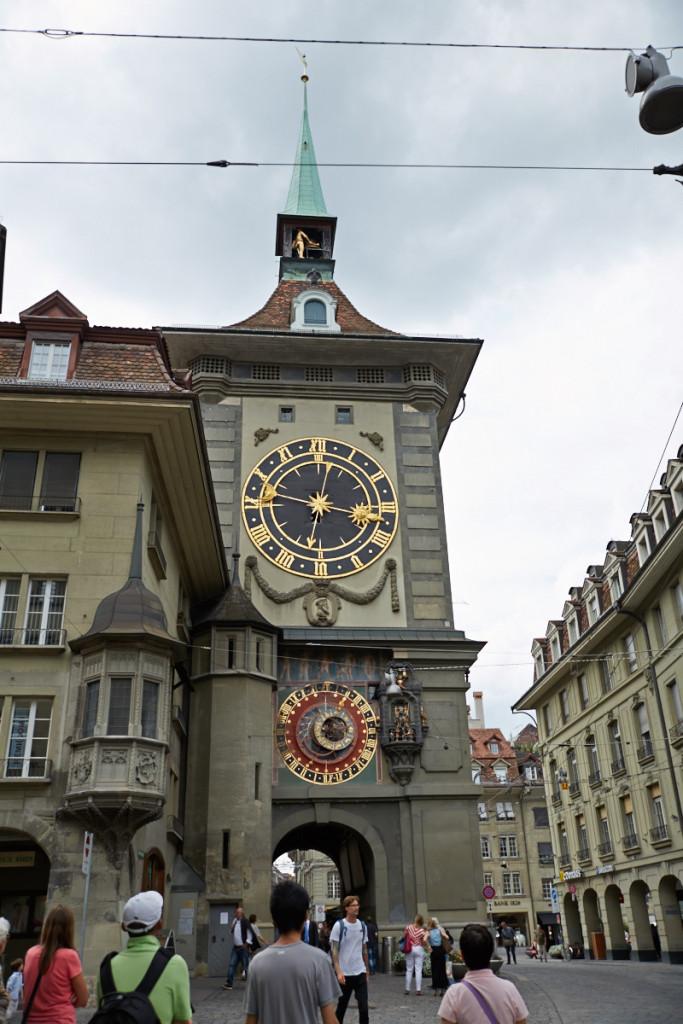 有名な時計台ツィットグロッゲ。16世紀から時を刻んでいるとか。