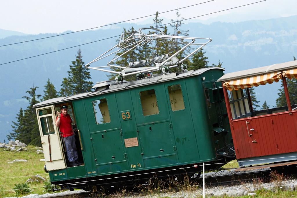 ホントにかわいい機関車です