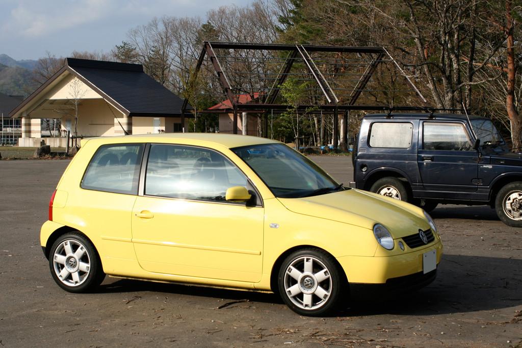 VW_Lupo_01_Hiruganokougen2005