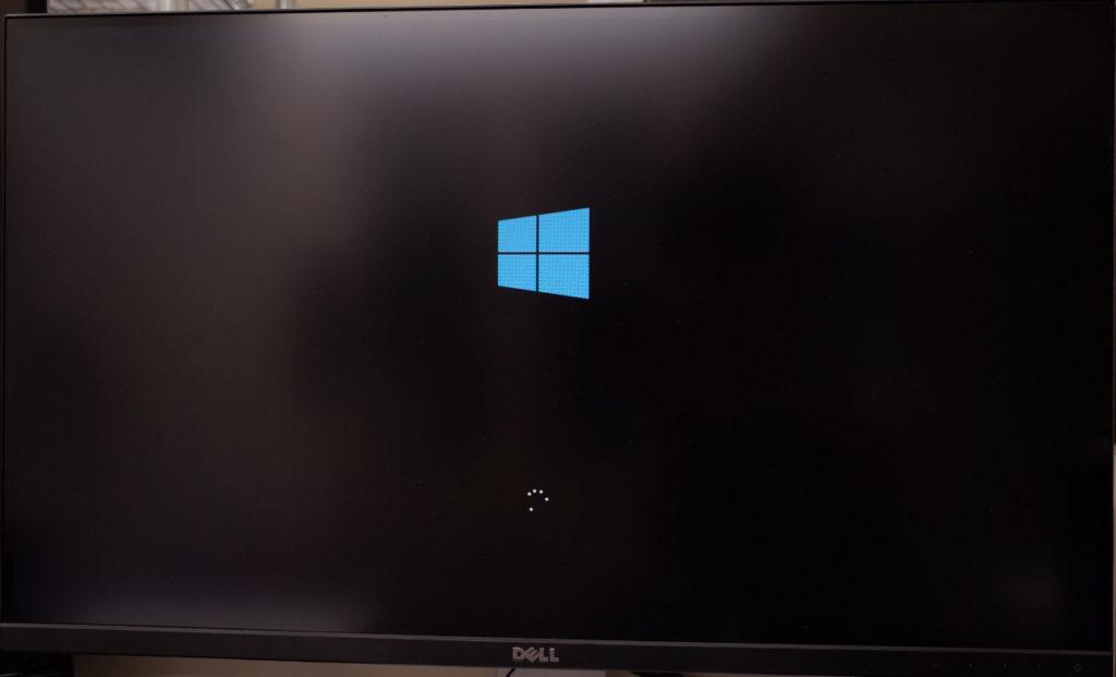 Windows起動中に止まる